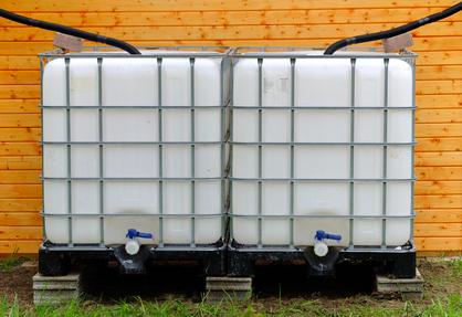 Wassertank Wassertonne im Garten